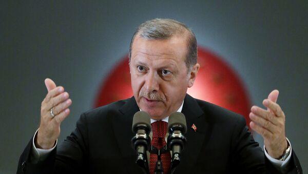 Erdogan obvinil náčelníka Ústředního velení USA z podpory vzbouřenců - Sputnik Česká republika