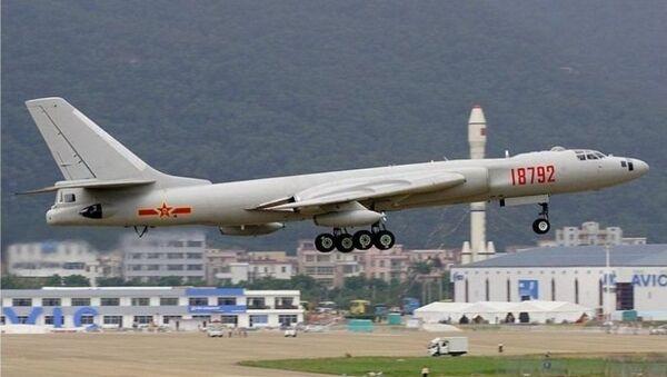 Čínský strategický bombardér H-6K - Sputnik Česká republika