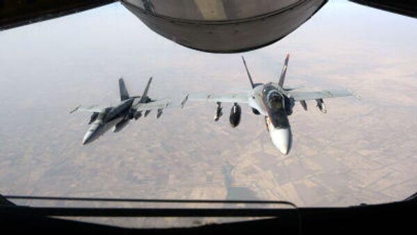 Americké stíhačky F-18 Super Hornet v Iráku - Sputnik Česká republika