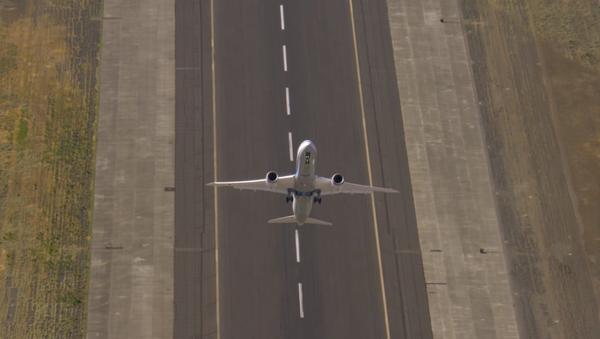 Vertikální start dopravního letadla: ohromující video - Sputnik Česká republika