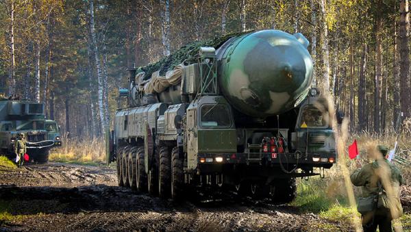 Raketový komplex Topol-M - Sputnik Česká republika