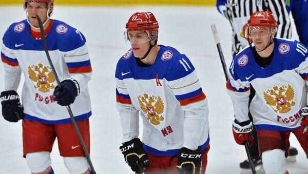 Ruští hokejisté Evgenij Malkin, Dmitrij Kulikov a Sergej Mozjakin - Sputnik Česká republika