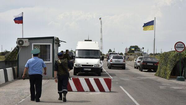 Kontrolní stanoviště mezi Krymem a Ukrajinou - Sputnik Česká republika