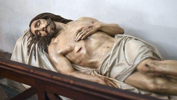 Socha Ježíše Krista v kryptě baziliky Notre-Dame de la Garde v Marseille - Sputnik Česká republika