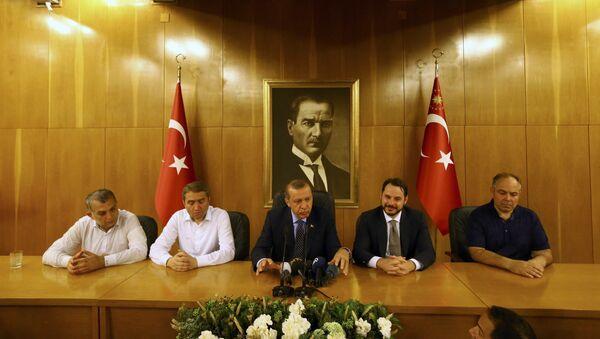 Turecký preyident Tayyip Erdogan během interview v Istanbulu - Sputnik Česká republika