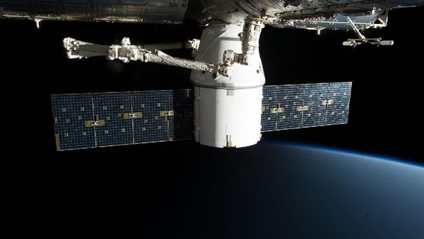 SpaceX Dragon - Sputnik Česká republika