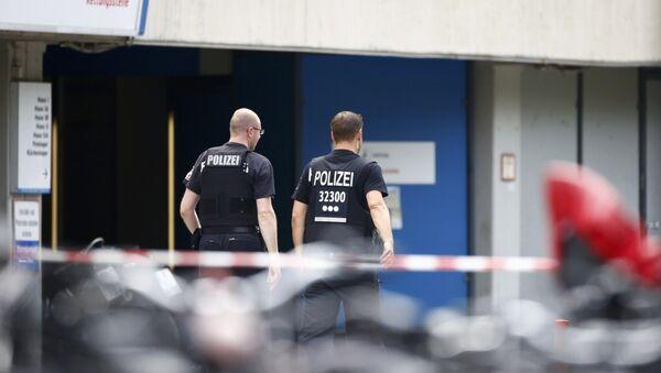 Policie u kliniky Benjamina Franklina ve Steglitzu - Sputnik Česká republika
