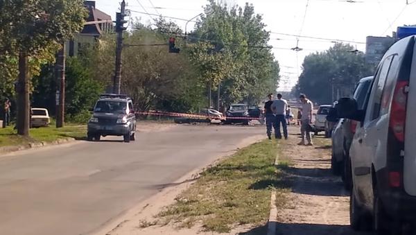 Na internetu se objevily první fotografie a video z místa výbuchu auta Plotnického - Sputnik Česká republika