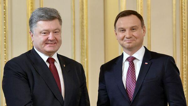 Ukrajinský prezident Petro Porošenko a polský prezident Andrzej Duda - Sputnik Česká republika