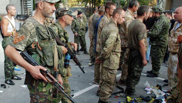 Zajatí ukrajinští vojáci v Ilovajsku - Sputnik Česká republika