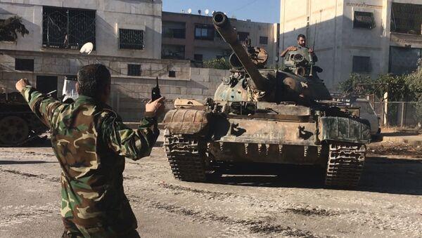 Vojáci syrské armády během útoku na jihozápadě Aleppa - Sputnik Česká republika