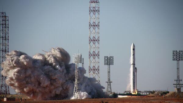 Start nosiče Zenit-3SLBF se satelitem Spektr-R z kosmodromu Bajkonur - Sputnik Česká republika
