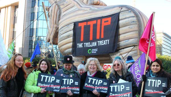 Protestní akce proti TTIP - Sputnik Česká republika