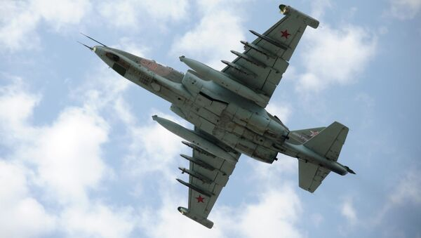 Stíhací bombardér Su-25 - Sputnik Česká republika