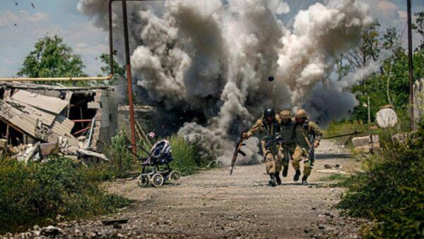 Fotograf Dmitrij Muravský byl přistižen při falšování fotografií války - Sputnik Česká republika