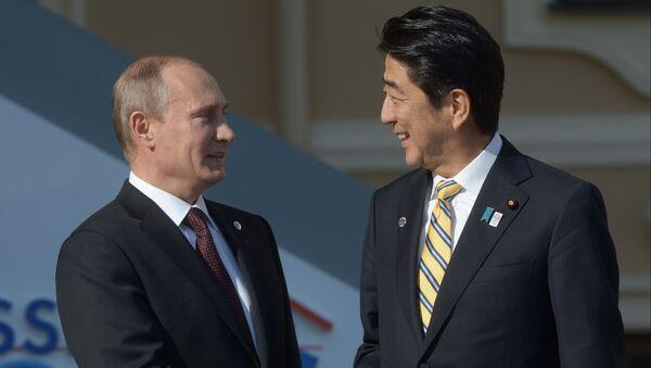 Vladimir Putin a Šinzó Abe - Sputnik Česká republika