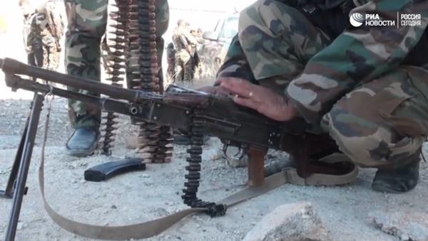 Záběry ze střetů syrských vojáků s bojovníky Džaiš al-Islam ve Východní Ghútě - Sputnik Česká republika