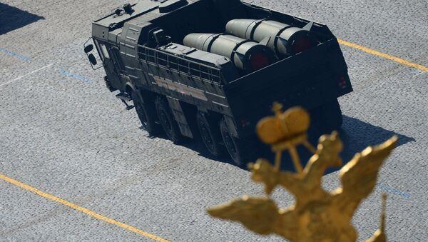 Iskander-M během přehlídky Vítězství - Sputnik Česká republika