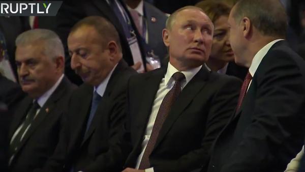Putin se účastní Světového energetického kongresu v Istanbulu - Sputnik Česká republika