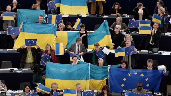 Vlajky EU v Evropském parlamentu - Sputnik Česká republika