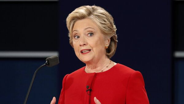 Hillary Clintonová během první debaty s Donaldem Trumpem - Sputnik Česká republika