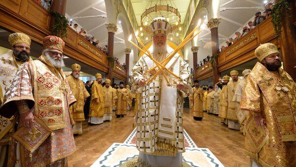 Patriarcha Moskevský a celé Rusi Kirill během bohoslužby v největším ruském chrámu v Londýně - Sputnik Česká republika