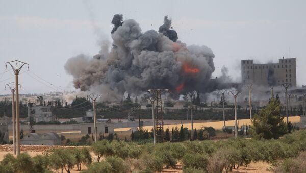 Útok koalice vedené USA v Aleppu - Sputnik Česká republika