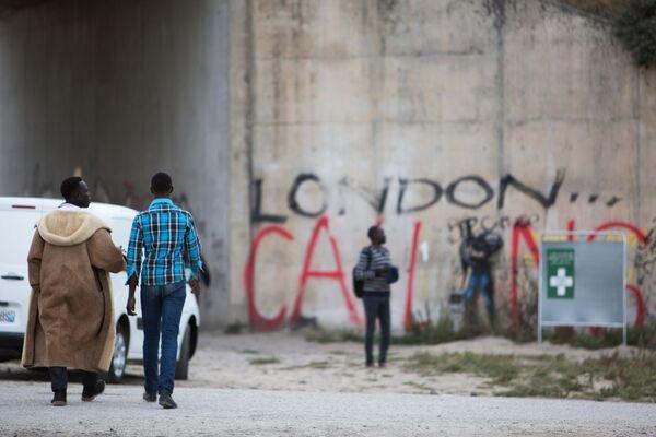Tábor nelegálních migrantů v Calais - Sputnik Česká republika