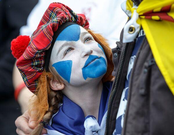Účastníci pochodu za nezávislost Skotska v Edinburghu - Sputnik Česká republika