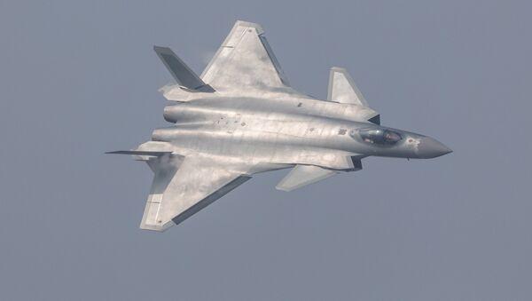 Čínská stíhačka J-20 - Sputnik Česká republika
