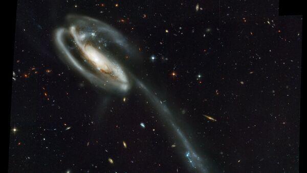UGC 10214 – spirální galaxie nacházející se ve vzdálenosti okolo 400 milionů světelných let od Země - Sputnik Česká republika