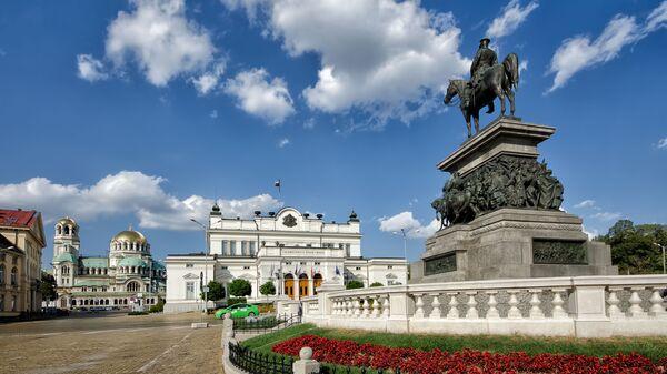 Památník Alexandru II. před bulharským parlamentem v Sofii - Sputnik Česká republika