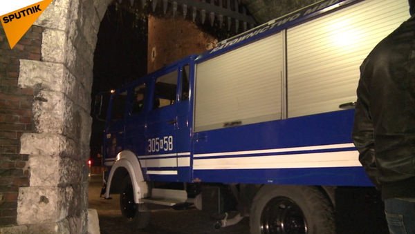 Do Wawelu přijely vozy zvláštní lékařské služby k exhumaci těl Kaczyńských. VIDEO - Sputnik Česká republika