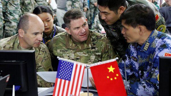 Čínšti a američti vojáci během cvičení - Sputnik Česká republika