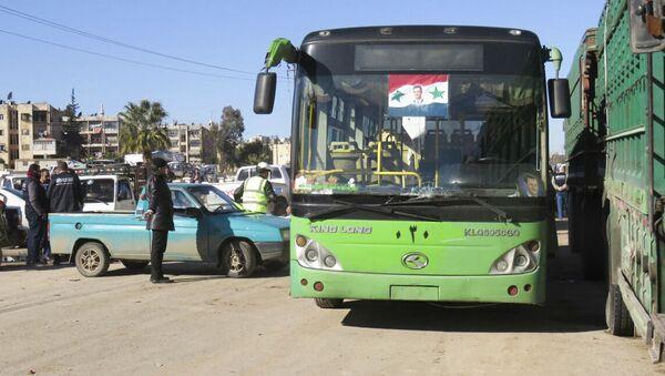 Autobus v Aleppu - Sputnik Česká republika