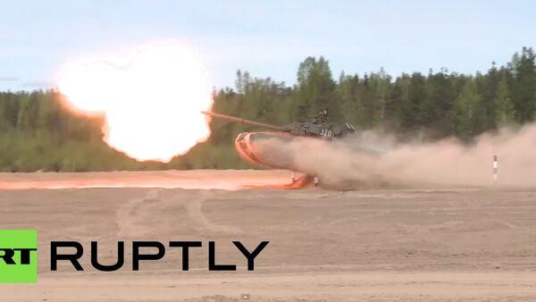 Extrémní řízení tanku a tankový valčík - Sputnik Česká republika