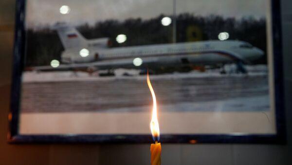 Svíce na památku obětí katastrofy Tu-154 - Sputnik Česká republika
