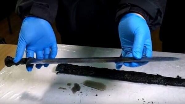 Čínští archeologové objevili meč starý 2300 let - Sputnik Česká republika
