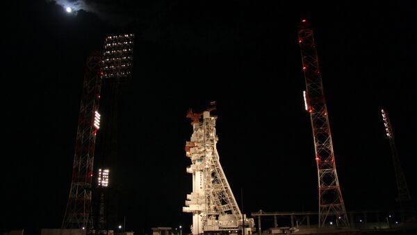 Raketa Proton-M s ruskou družicí Express AM-4 - Sputnik Česká republika