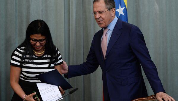 Sergej Lavrov a Delcy Rodriguezová - Sputnik Česká republika