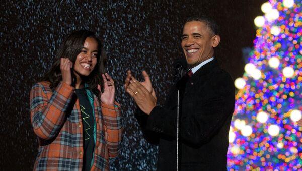 Barack Obama a jeho dcera Malia - Sputnik Česká republika