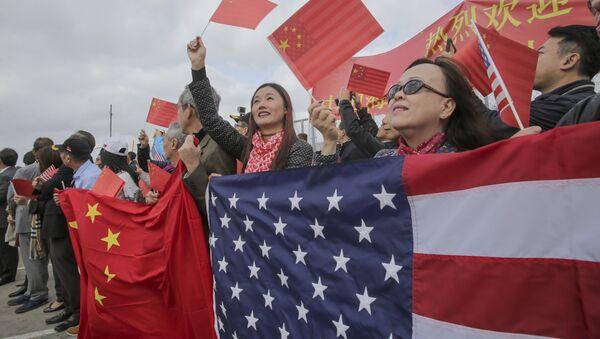 Místní obyvatelé vítají čínské lodě v Kalifornii - Sputnik Česká republika