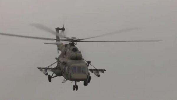 Tréninkové lety posádek Mi-8AMTŠ - Sputnik Česká republika