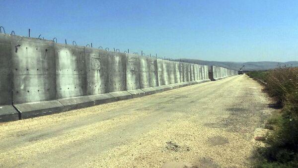 Betonová stěna na hranice Sýrie a Turecka - Sputnik Česká republika