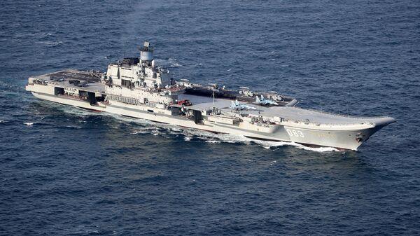 Британские ВМС и ВВС сопровождают российские корабли Петр Великий и Адмирал Кузнецов - Sputnik Česká republika