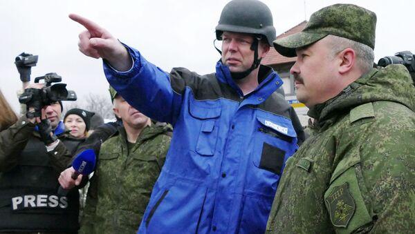 První náměstek hlavy Speciální monitoringové mise OBSE na Ukrajině Alexandr Hug - Sputnik Česká republika
