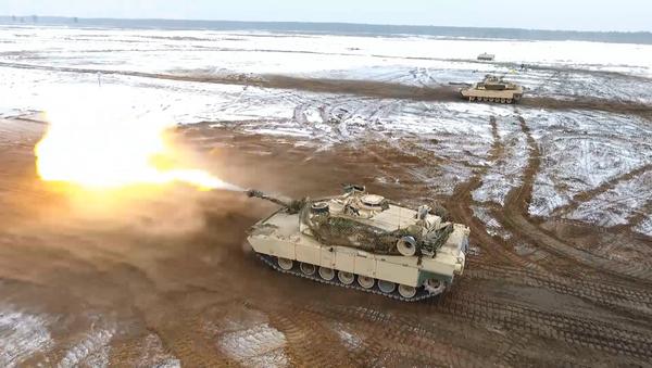 Americké tanky  M1 během cvičení v Polsku - Sputnik Česká republika