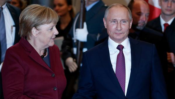 Prezident RF Vladimir Putin a kancléřka Německa Angela Merkelová - Sputnik Česká republika