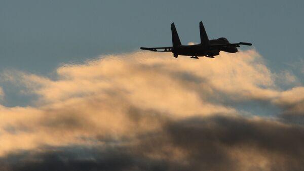 Let stíhačky Su-27 - Sputnik Česká republika