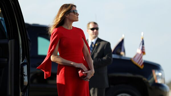 První dáma USA Melania Trumpová na floridském letišti - Sputnik Česká republika